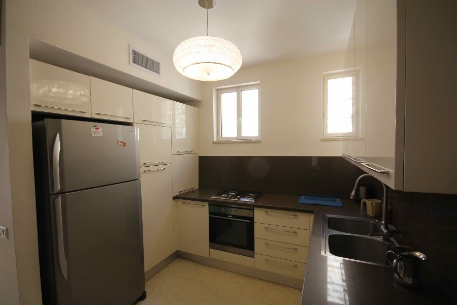 "Apartment 4 Rooms For Sale inShaarei Hessed inJerusalem-שיר""ן"