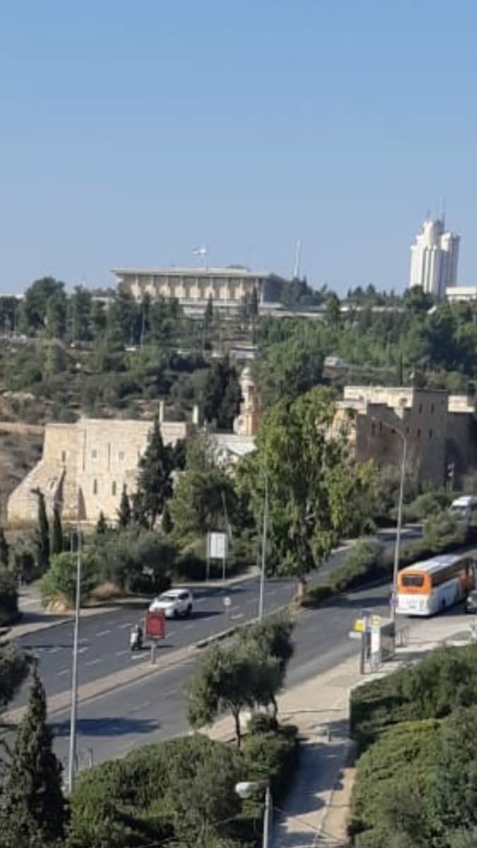 "Penthouse 5 Rooms For Sale inRasco inJerusalem-שיר""ן"