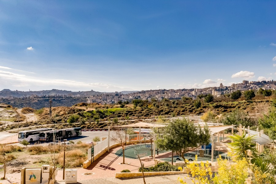 "Apartment 5 Rooms For Sale inHar Choma inJerusalem-שיר""ן"
