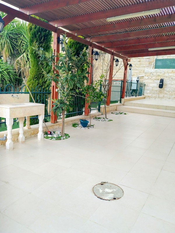 "Garden Apartment 4.5 Rooms For Sale inGilo inJerusalem-שיר""ן"